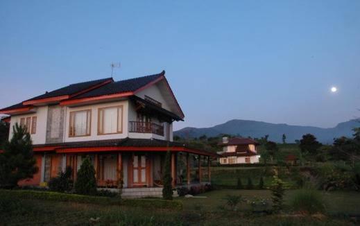 Villa Hadea Bata - Ciater Highland Resort Subang - Eksterior