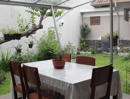 De Riau Cottage by HouseInBandung Bandung -