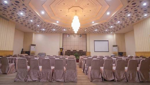 Hotel Dinasti Makassar - Meeting Room