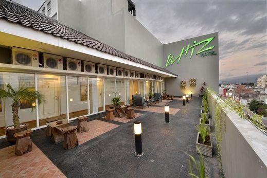 Whiz Hotel Malioboro Yogyakarta - Terrace/Patio
