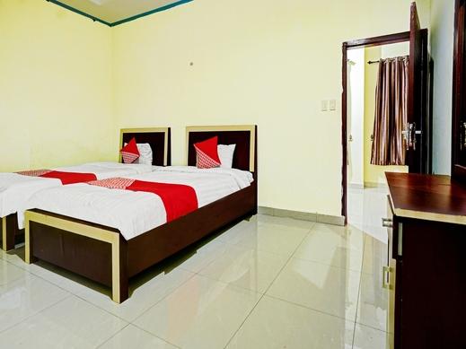 OYO 90331 Hotel Toba Shanda Danau Toba - Bedroom