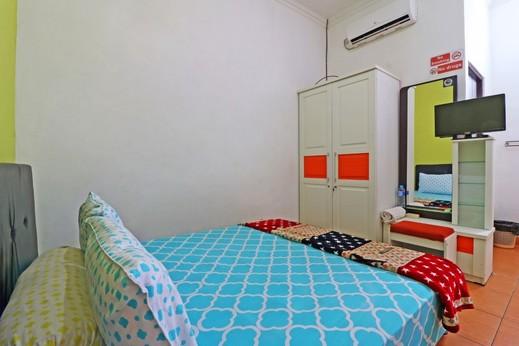 Semata Wayang Syariah Homestay Banjarmasin - Room