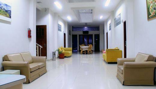 ZEN Rooms Lengkong Besar Bandung - lobi