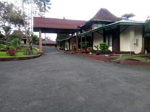 Nirwana Resort Baturraden - Exterior