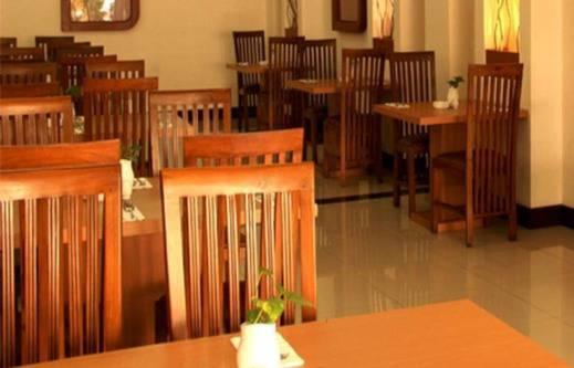 Ceria Hotel Jambi by Tritama Hospitality Jambi - Restoran