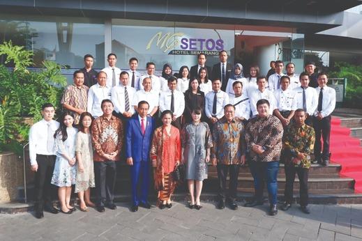MG Setos Hotel Semarang - staff