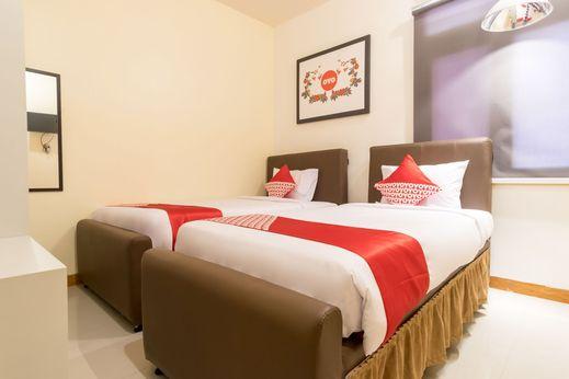 OYO 1249 Guest House 66 Medan - Bedroom