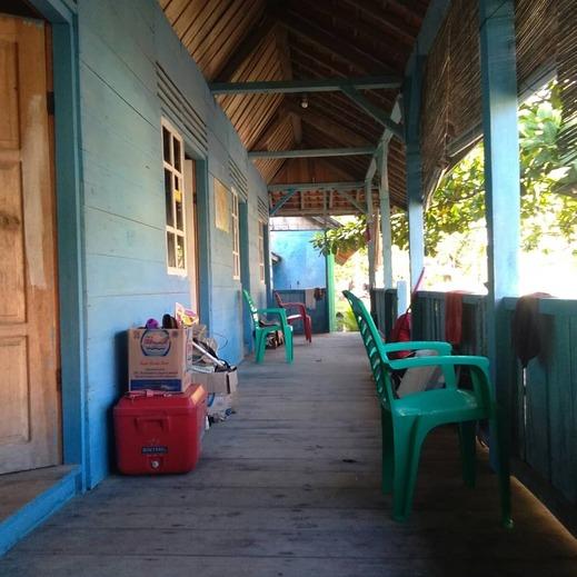 Ujung Tapokan Cottage Pesisir Barat - Exterior