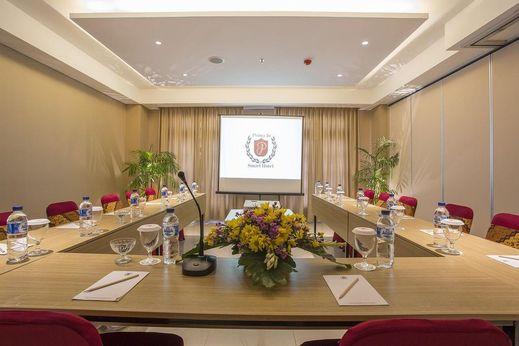 Prima In Hotel Jogja - Meeting Room