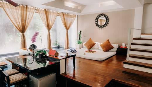 18 Suite Villa Loft Bali - Tatami style living room
