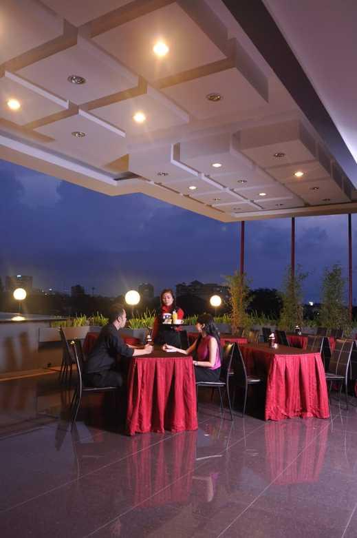 Scarlet Kebon Kawung Hotel Bandung - Restaurant