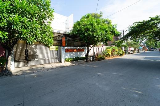 KoolKost Syariah near STIE Trianandra Jakarta - Photo