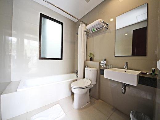 Gandasari Hotel Bandung - Bathroom