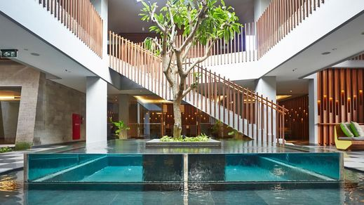 Maya Sanur Resort & Spa Bali - Pool