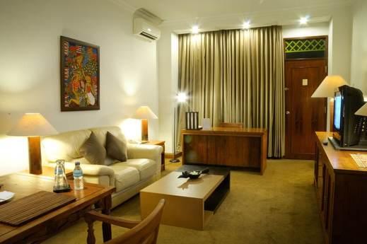 Mesra Business & Resort Hotel Samarinda - Living Area