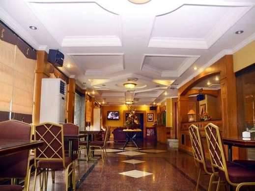 Dhaksina Hotel Medan - Lobby
