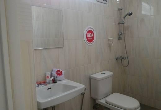 NIDA Rooms Gajah Mada 7 Klojen - Kamar mandi