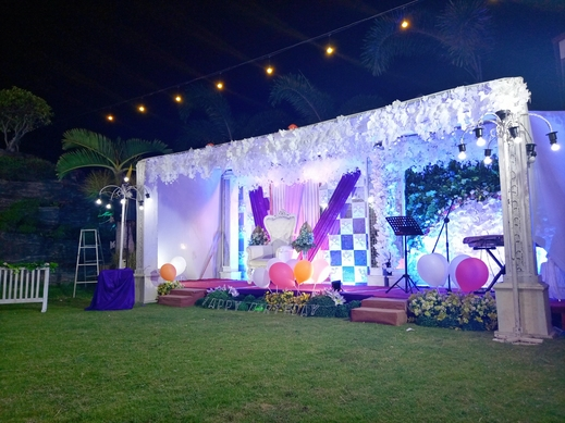 Hotel Intan Cirebon - event di taman