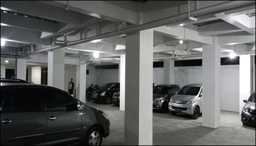 Aparkost Putri Elsha Syariah Yogyakarta - parking