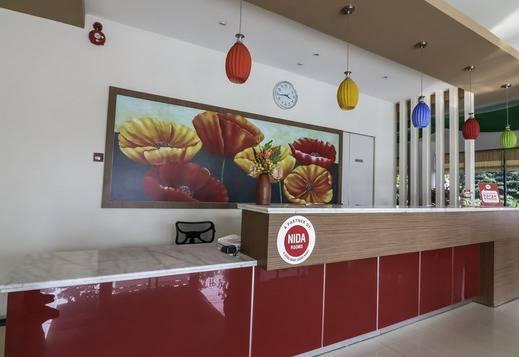 NIDA Rooms Ratulangi 17 Trans Studio Makassar - Resepsionis