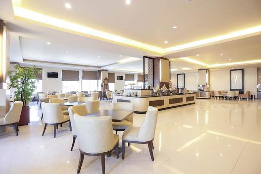 Grand Asia Hotel Makassar - Breakfast Area