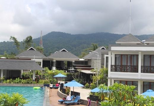 Grand Master Resort Tomohon Tomohon - Pool