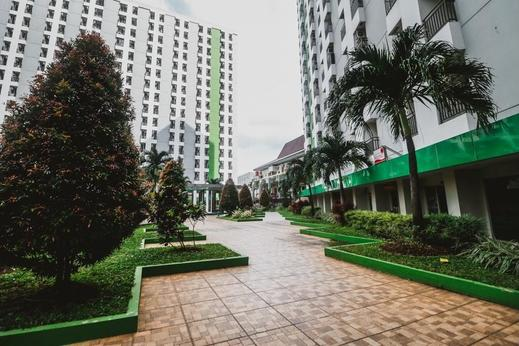 RedDoorz Apartment @ Green Lake View Ciputat Tangerang Selatan - Exterior