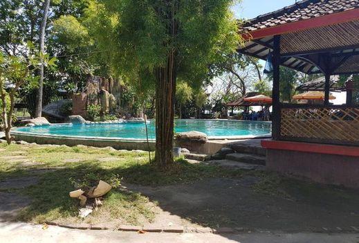 Pantai Kencana Hotel Sumbawa - Pool