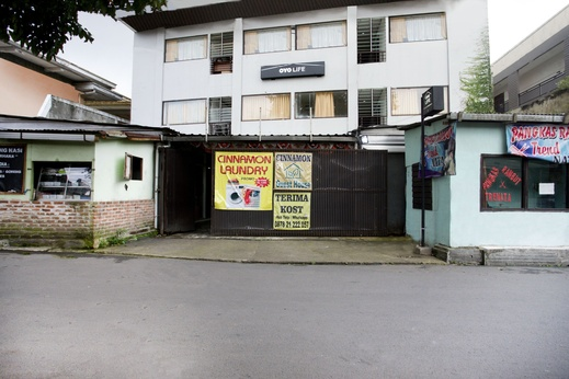 OYO Life 2050 D'cinnamons Residence Bandung - Facade