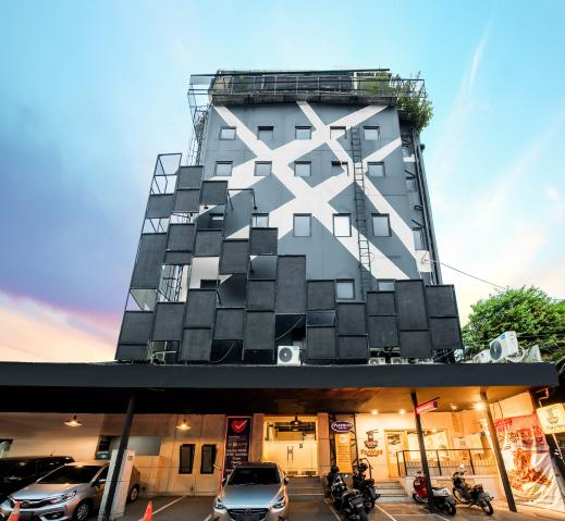 Infiniti Hotel Jakarta - Hotel Pic