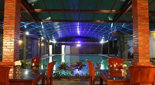 Hotel Savitri Country Yogyakarta - Kolam Renang