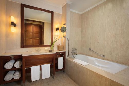 The Patra Bali Resort & Villas Bali - Kamar Mandi di Deluxe Suite