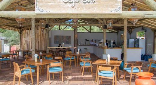 Avia Villa Resort Lombok - Kolam Renang