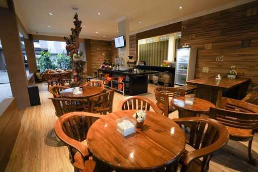 Patria Family Hotel Blitar - CAFE