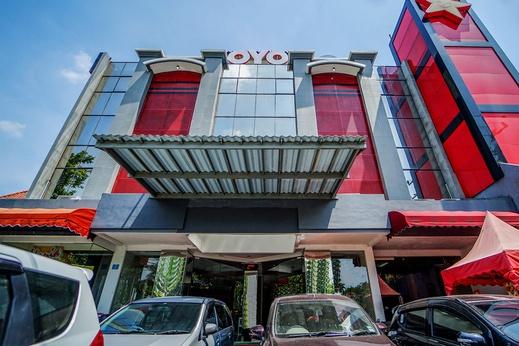 OYO 231 Hotel Andita Syariah Surabaya - Facade