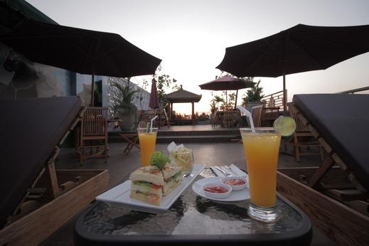 Forriz Hotel Jogja - pool