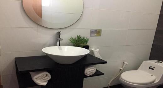 Selesa Hotel Batam - Bathroom