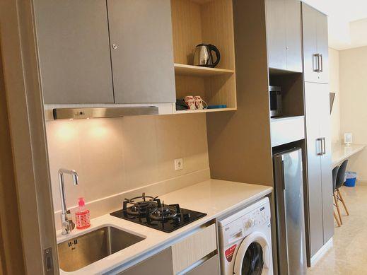 Gold Coast PIK Sea View Apartments By LongeStay Jakarta -
