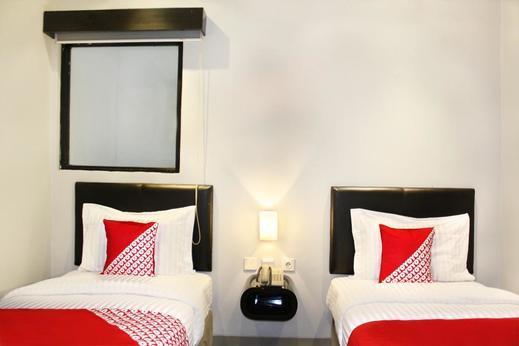 OYO 136 Manggis Inn Near RSU Kecamatan Taman Sari Jakarta - STANDRAD TWIN BEDROOM