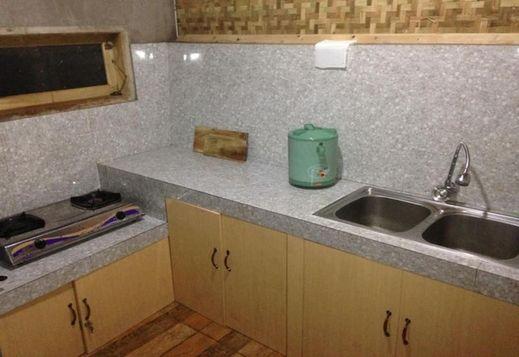 Villa Ide Lestari Garut - Kitchen