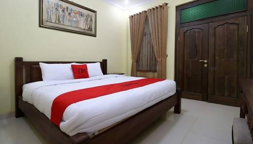 RedDoorz Plus @ Maguwo Yogyakarta - Guest room