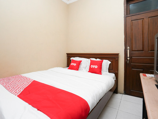 OYO 2092 Menara Sakti Sejahtera Syariah Hotel Sidoarjo - Bedroom