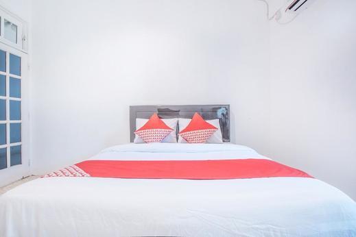OYO 332 Residence G17 Kemang Jakarta - Bedroom