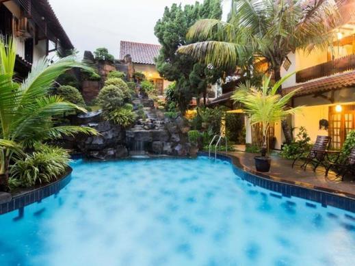 Duta Garden Hotel Jogja - Pool