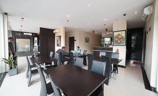 Sky Inn Hotel Batam -