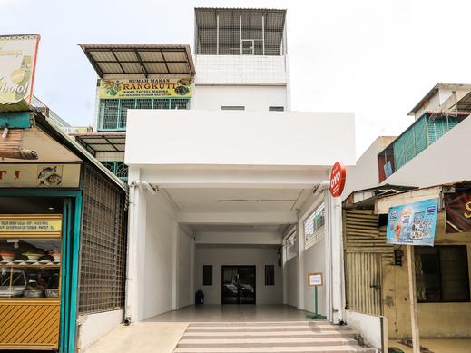 OYO 3492 Mandala Residence Medan - Facade