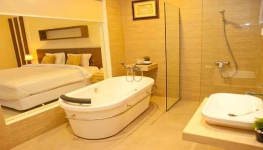 Nat Nat Homestay Malang - Bedroom