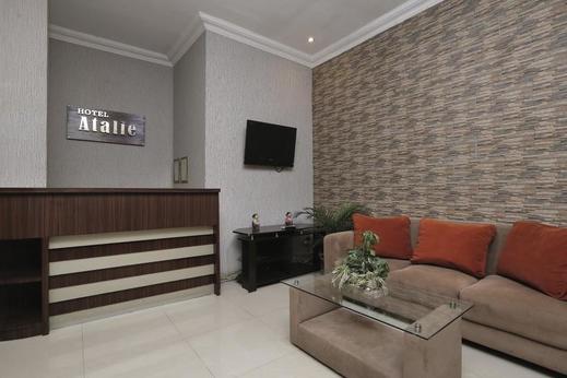 Hotel Atalie Malioboro by Yuwono Yogyakarta - Receptionist
