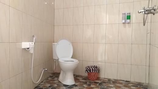 Ginanthi Cottage Bali - Bathroom