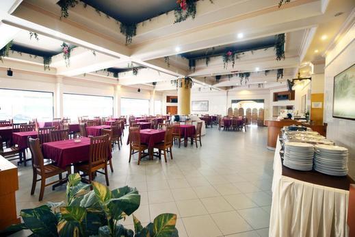 Airy MT Haryono KM 3.5 Tanjung Pinang - Restaurant